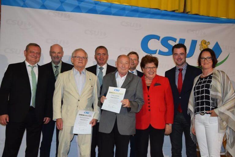 Eibelstadter wird für CSU Mitgliedschaft geehrt