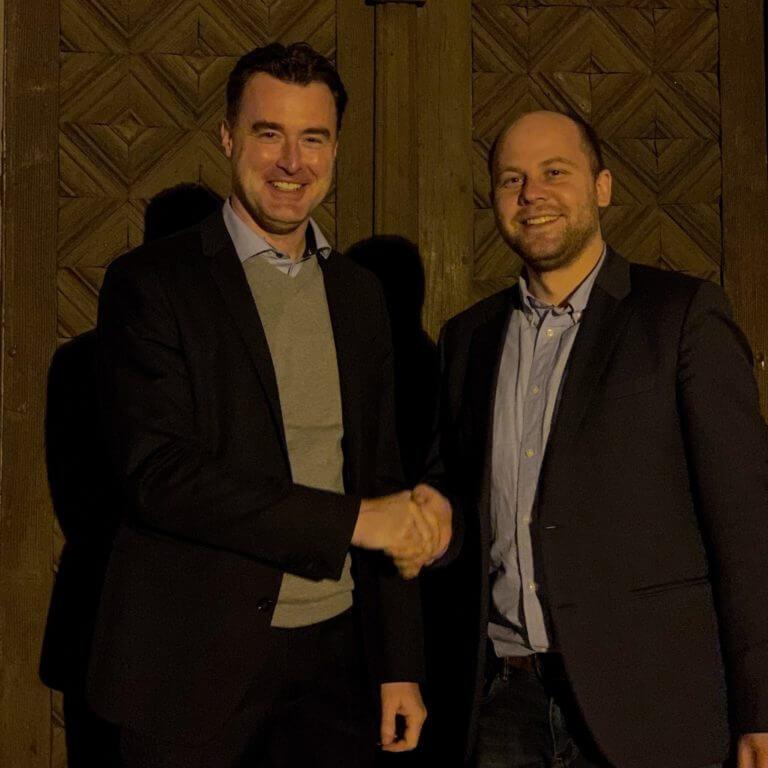 Benedikt Machnig gratuliert Markus Schenk